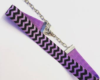 Lilac Zig Zag Print Elastic Choker Necklace