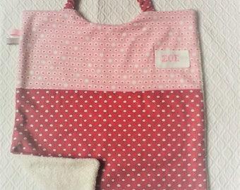 Serviette a élastique,personnalisable,serviette de cantine, fille ,coton et éponge .