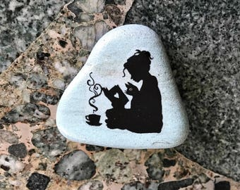 """Natural, Handmade Printed """"Reading Lover"""" Stone. Unique Stone Art Gift."""
