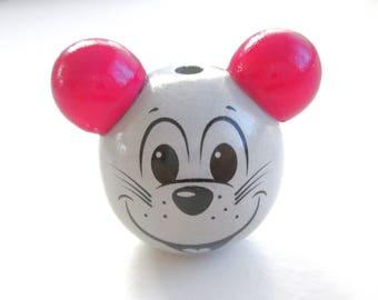 Wooden 3D grey clear & Fuchsia mouse head bead