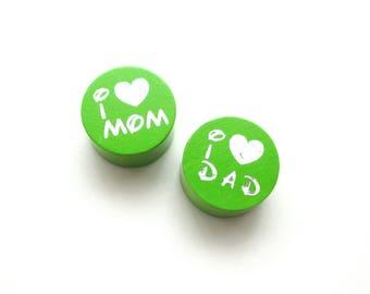 I Love Mom, I Love Dad Glitter Apple green wooden bead