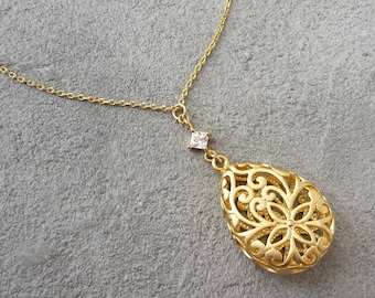 Filigree necklace gold, drop necklace of yellow gold necklace with CZ zirconia, 16 K gold plated necklace, long necklace, filigree pendant
