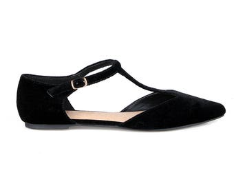 Mark and Maddux Devin-02 T-strap Women's Pointed Toe Flats in Black