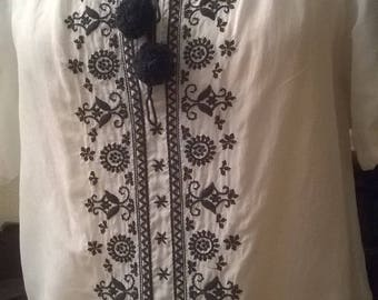Cotton blouse embroidered broken white color