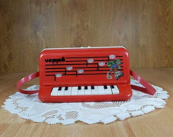 Vintage accordion - Vintage musical instrument - Retro accordion -  Collectors accordion - Childrens accordion.