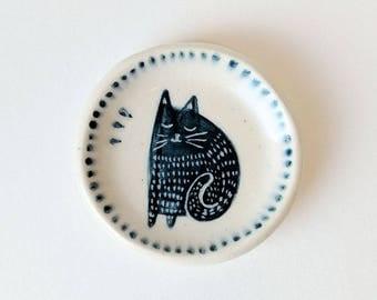 Illustrated Cat Ring Dish (Cream & Dark Blue)