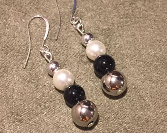 Silver and black bead pearl dangle earrings