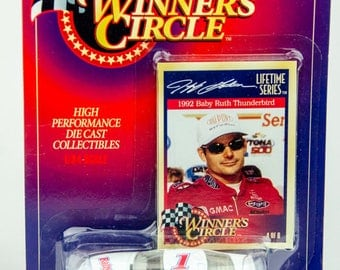 Winners Circle Jeff Gordon Lifetime Series 1/64 Diecast Car - Baby Ruth
