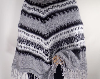 Stylish Warm Knitted Alpaca Poncho / One size