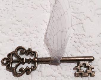 Set of 6 flying key decoration  for your Harry Potter inspired party!