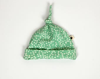 Top knot baby beanie, mint spots, organic baby clothes, toddler clothes, gift for baby, gift for toddler