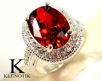 Noble women 925 sterling silver white sapphire & white topaz gemstones Ring