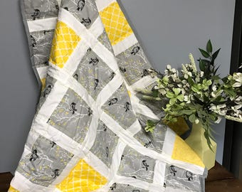 Baby Quilt Handmade - Yellow and Gray quilt, baby quilt, girl quilt, nursery bedding, baby bedding, baby shower gift, baby quilt for sale
