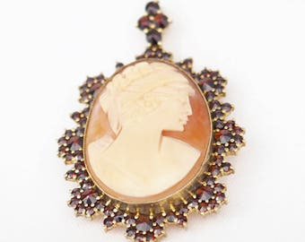 Beautiful shell cameo pendant/brooch with pomegranate