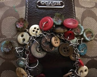 Vintage button and glass flower bead charm style bracelet