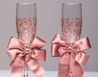 Wedding glasses rose gold Personalized glasses Rose Gold Champagne flutes rose gold Toasting glasses laser engraved Flutes set of 2