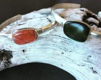 Silver cuff bracelet with labradorite or sunstone