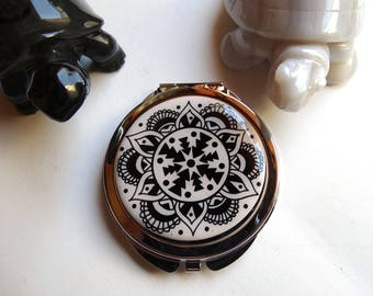 Pocket mirror silver and artisanal cabochon representing a rose black and white - gift idea for woman