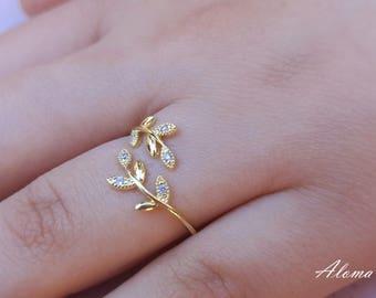 Leaf Ring.  Ladies Golden Ring, Gold Ring. Tiny adjustable Ring.
