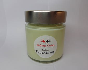 Vegetable soy wax scented candle in Tuberose.