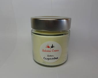Vegetable soy wax cupcake candle.
