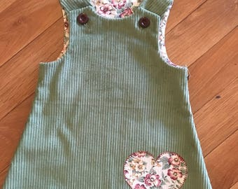 Green Corduroy Girls Pinafore   Size 3