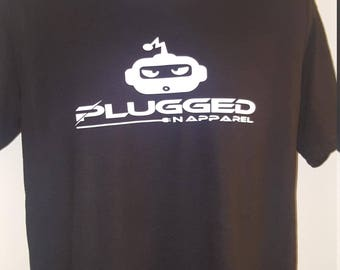 PLUGGED N APPAREL T-SHIRT w/robot