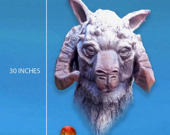 Greetings Starwars fans here's an auction for a Starwars Tauntaun Full size Bust.