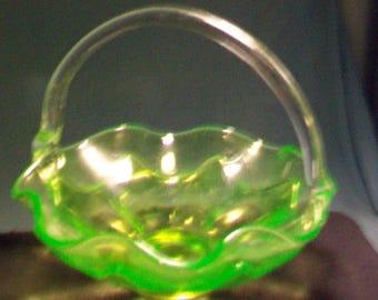 Viking Glass Vaseline Basket Original Tag