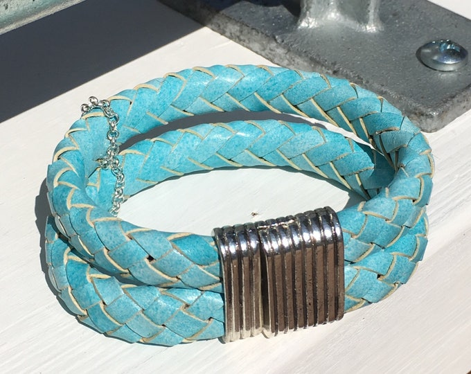 Free shipping within NL bracelet leather turquoise Blue bracelet Dqmetaal Magnet Closure