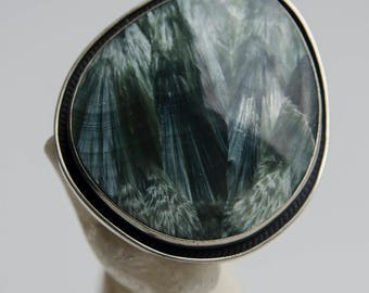 "The Ring ""Angel's wing"". Seraphinite with silver."