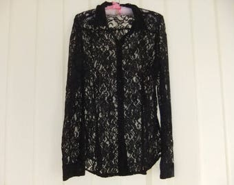 Lovely Net Lace Black Vintage Ladies Blouse button front long sleeve and collar size 14