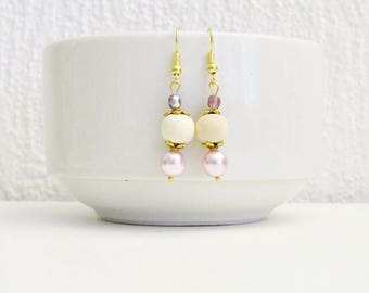 Bohemian chic pink earrings with wooden beads