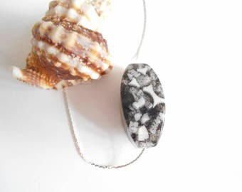 black and white resin bead