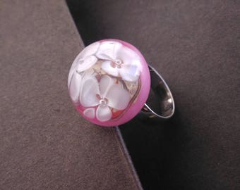 Ring cabochon floral pink and white - glass Lampwork - handmade
