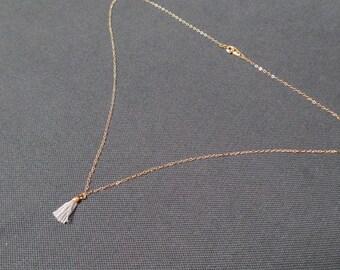 Gypsy-chic necklace grey tassel