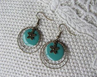 Earrings bronze rings, sequin enamelled disc turquoise and small flower