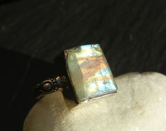 Labradorite white (Moonstone) in geometric shape 925 sterling silver ring