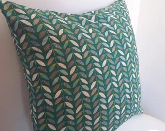 40x40cm Cushion cover. foliage pattern