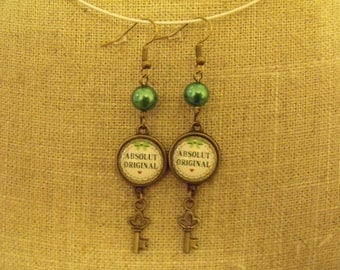 Green cabochon bead 14mm and key earrings