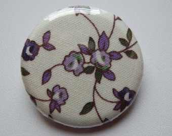 """Les Fleurs"" badge fabric off white and purple 3 cm"