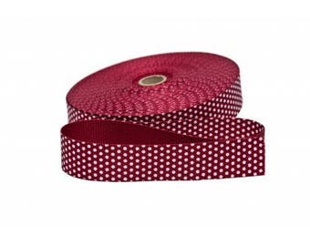 Has 30mm Burgundy dot cotton from 50 cm