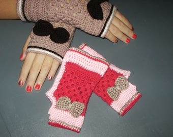 Pink mittens and taupe for girl