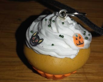 Halloween cupcake necklace