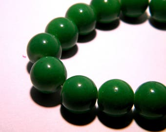 glass 10 mm - light - green grass PG229 20 beads