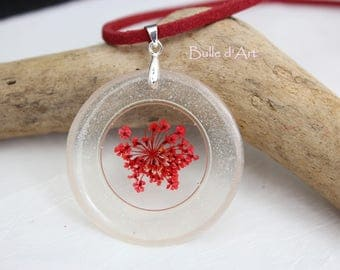 Resin pendant necklace * red flower *.