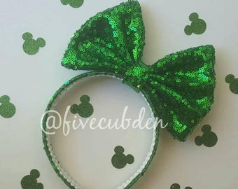 Emerald green oversized bow