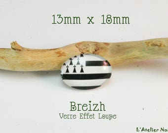 "Glass cabochon featuring 13mm x 18mm ""Breizh"""