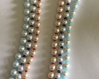 White glass pearl with accent color