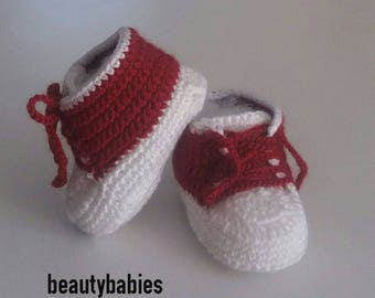 baby boots size 3 months to Burgundy and white